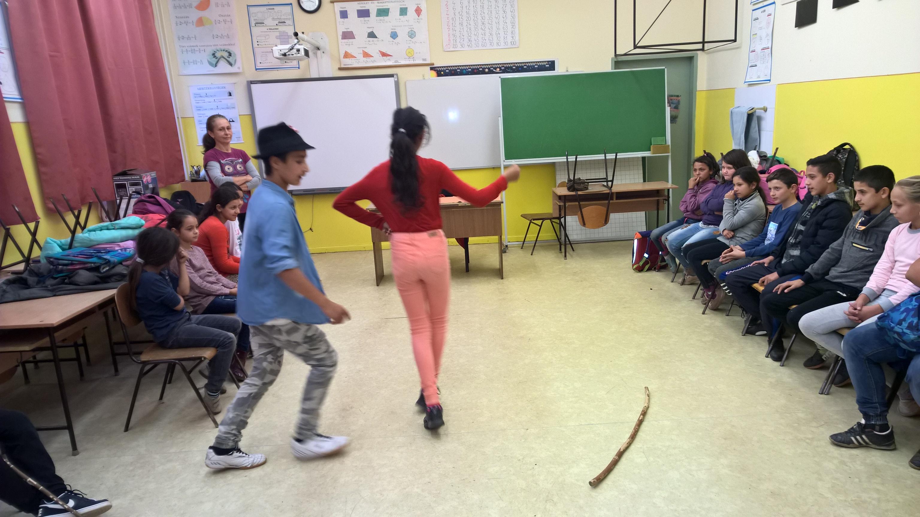 2018 09 - Néptánc oktatás